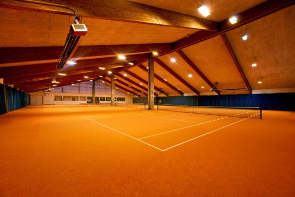 Tennisplätze in der Halle